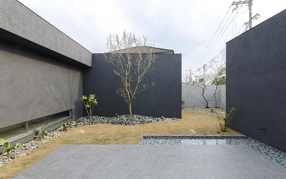 堺市百舌鳥のコートハウス 中庭の写真