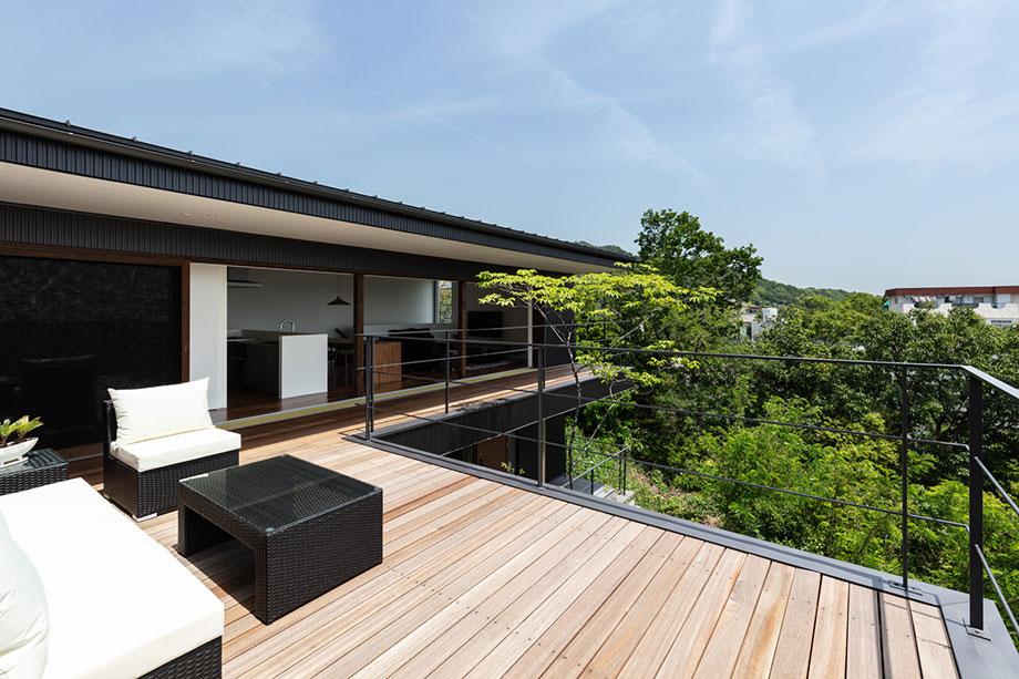 神戸市に建つテラスのある住宅 外部写真