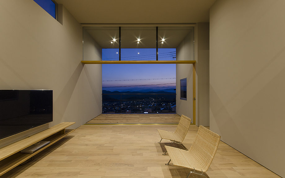 ロフトのある注文住宅,眺望の良い住まい,リビングからの夜景
