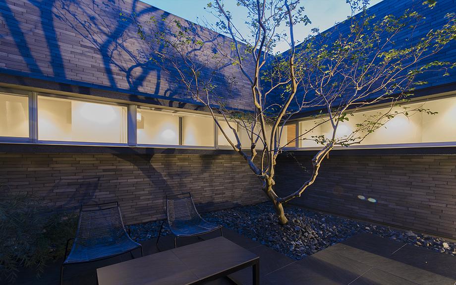 高槻の中庭型住宅 内観写真