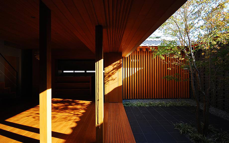 大阪府和泉市にある中庭の家の内観実例写真